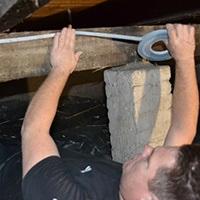 kruipruimte isolatie aanbrengen vanuit kruipruimte