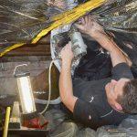man die kruiprumte isolatie Airflex Expert50 bevestigd